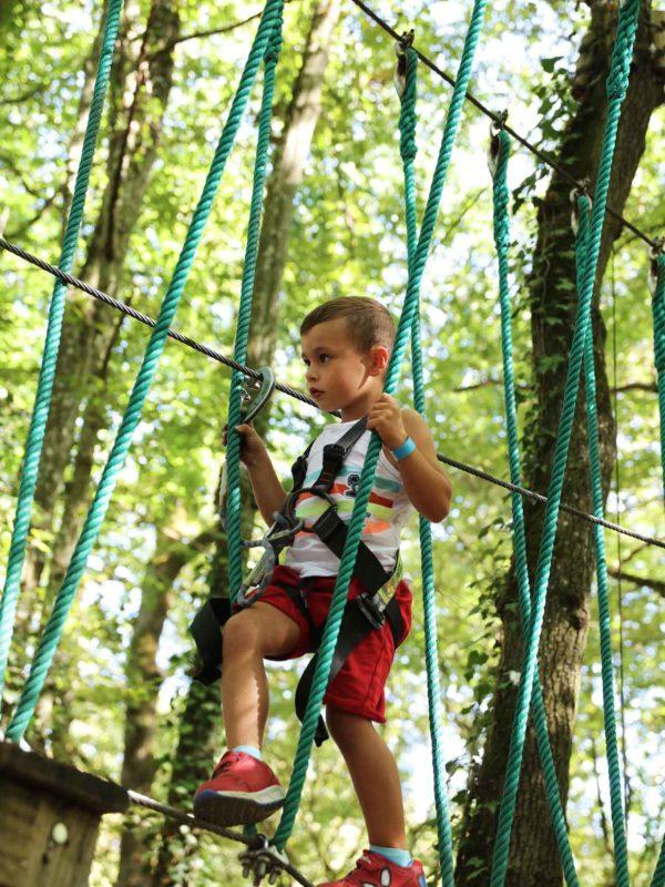 des-parcours-accrobranche-pour-les-enfants-à-france-aventures-lyon